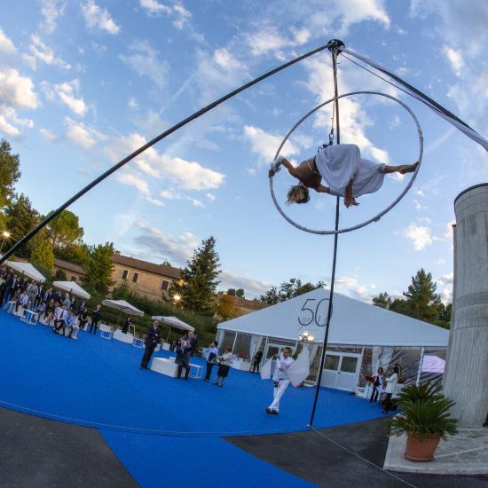 performance di danza aerea