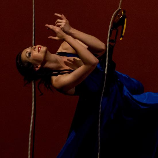 spettacolo ludwig ballerina su funi